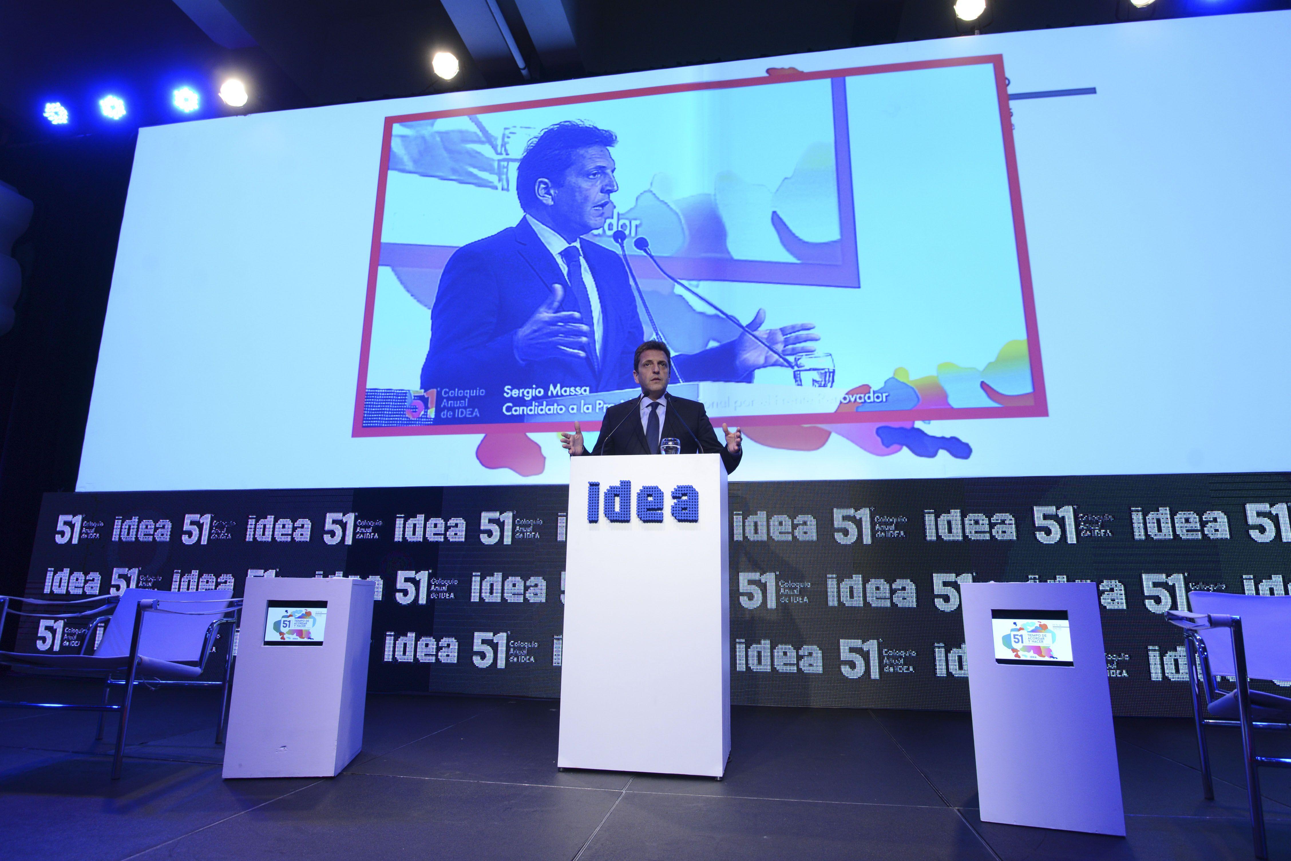 Examen. El candidato a presidente por el Frente Renovador habló ante los empresarios nucleados en Idea.