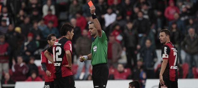 Guillermo Ortiz fue expulsado a los 39 del segundo tiempo
