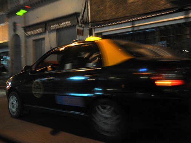 Los asaltantes subieron al taxi en Lima y Rueda.