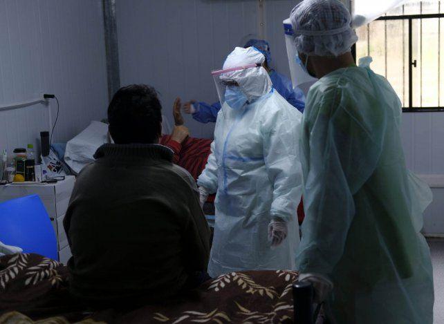 En Rosario ya son 300 los médicos que se contagiaron coronavirus