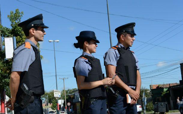 Primera misión. Los policías comunitarios desembarcaron hace un mes en Las Flores