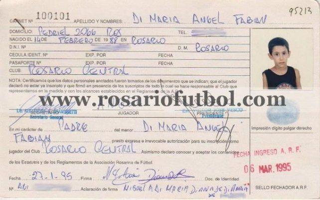 La ficha de angelito:  Angel Dí María estampó su primera firma el 6 de marzo de 1995.
