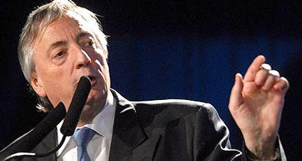 Hoy cumpliría 61 años Néstor Kirchner y en el Gabinete lo recuerdan por Twitter