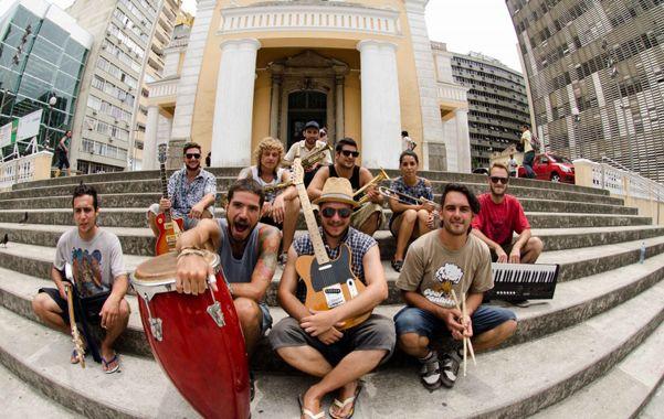 Viajeros. Este domingo la banda parte nuevamente de gira a Brasil.