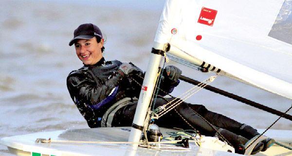 La rosarina Cecilia Carranza Saroli peleará por el podio en yachting