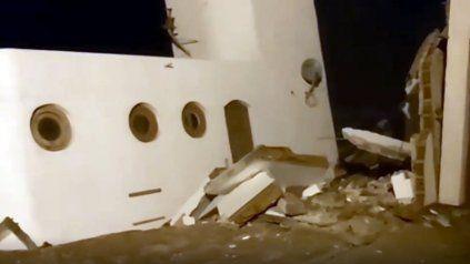 La casa se desplomó en menos de un minutos. (Foto: captura de video)