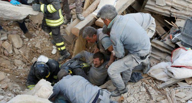 El fuerte sismo que afectó al centro de Italia causó estragos en las pequeñas poblaciones de la zona.