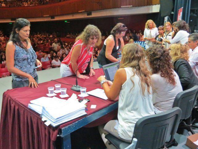 Este mes comienzan las titularizaciones para los docentes de la provincia. (Foto de archivo)