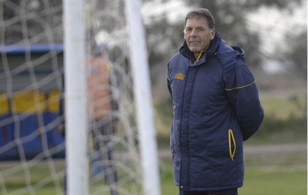 Russo entiende que la mejor manera de progresar futbolísticamente es respetando un libreto