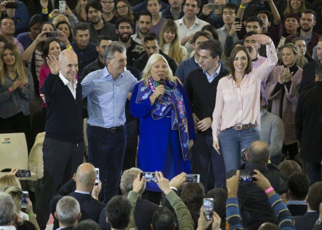 Carrió pidió perdón por los errores no forzados cometidos por el gobierno de Macri