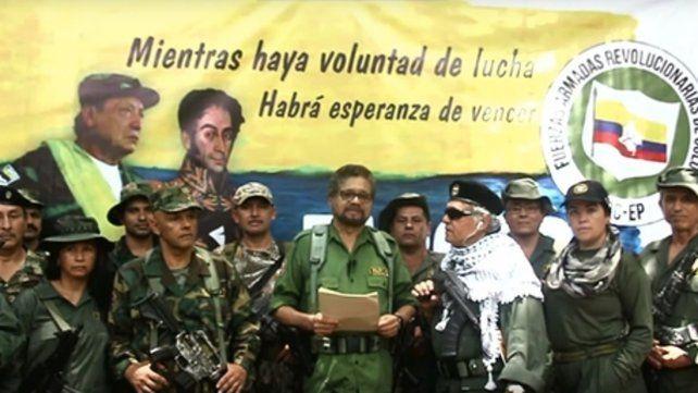 Imagen del video mediante el cual ayer Iván Márquez y otros disidentes de las FARC anuncian el regreso a la lucha armada.