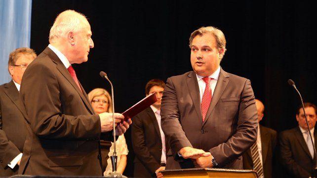El gobernador Miguel Lifschitz yministro de Gobierno y Reforma del Estado de Santa Fe