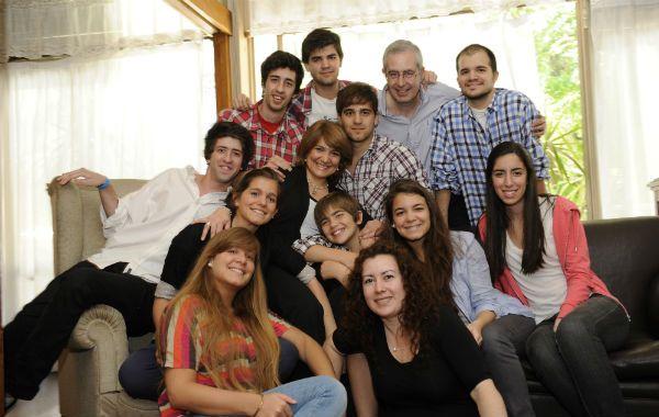 Liliana Olivieri posó con su marido y sus 10 hijos