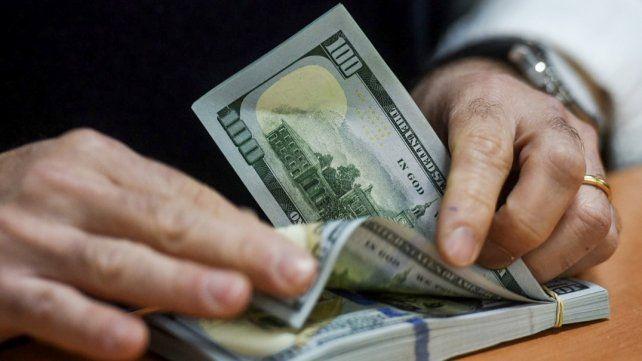 Dólar tranquilo, Bolsa sin piso y más presión sobre depósitos y reservas