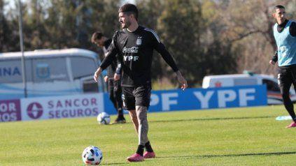 """El futbolista de 27 años explicó que somos una Selección que le gusta mejorar y que crece partido a partido""""."""
