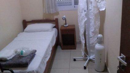 El centro de aislamiento para pacientes Covid de Roldán contaba con habitación que tenían soporte de oxígeno.