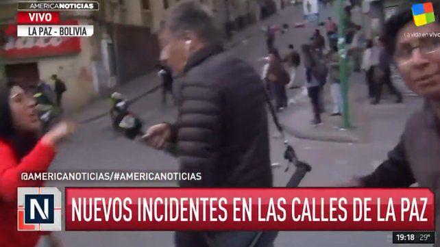 El periodista Rolando Graña fue agredido por un colega argentino que vive en La Paz