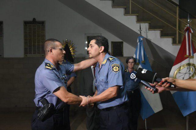 Romano pretende que los policías caminen y hablen con los vecinos