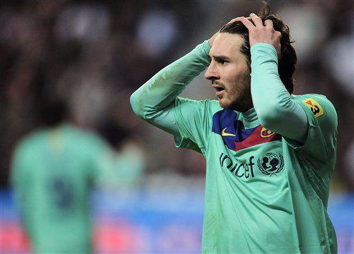 Barcelona empató ante Sporting de Gijón con Messi, Mascherano y Milito de titulares