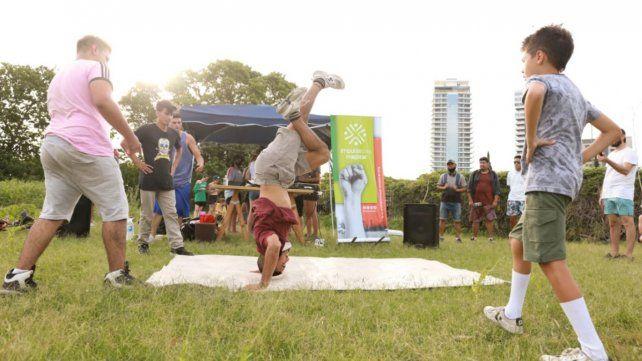 {altText(<p> El concurso <strong>#</strong>RapSinMachismo, realizado en el parque Scalabrini Ortiz, fue todo un éxito.</p>,Violencia de género: arranca un nuevo ciclo de talleres y encuentros de hip hop)}