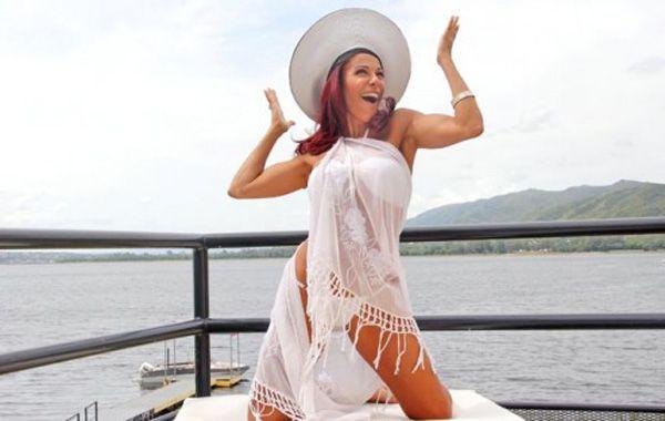 Iliana Calabró disfruta de la temporada en Villa Carlos Paz.