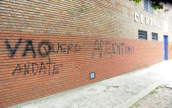 Pintada. Una de las tantas intimidaciones en el Gabino. Esta