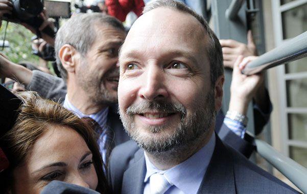 Ofensiva. Sabbatella fue anteayer a la sede de Clarín a llevar una notificación.