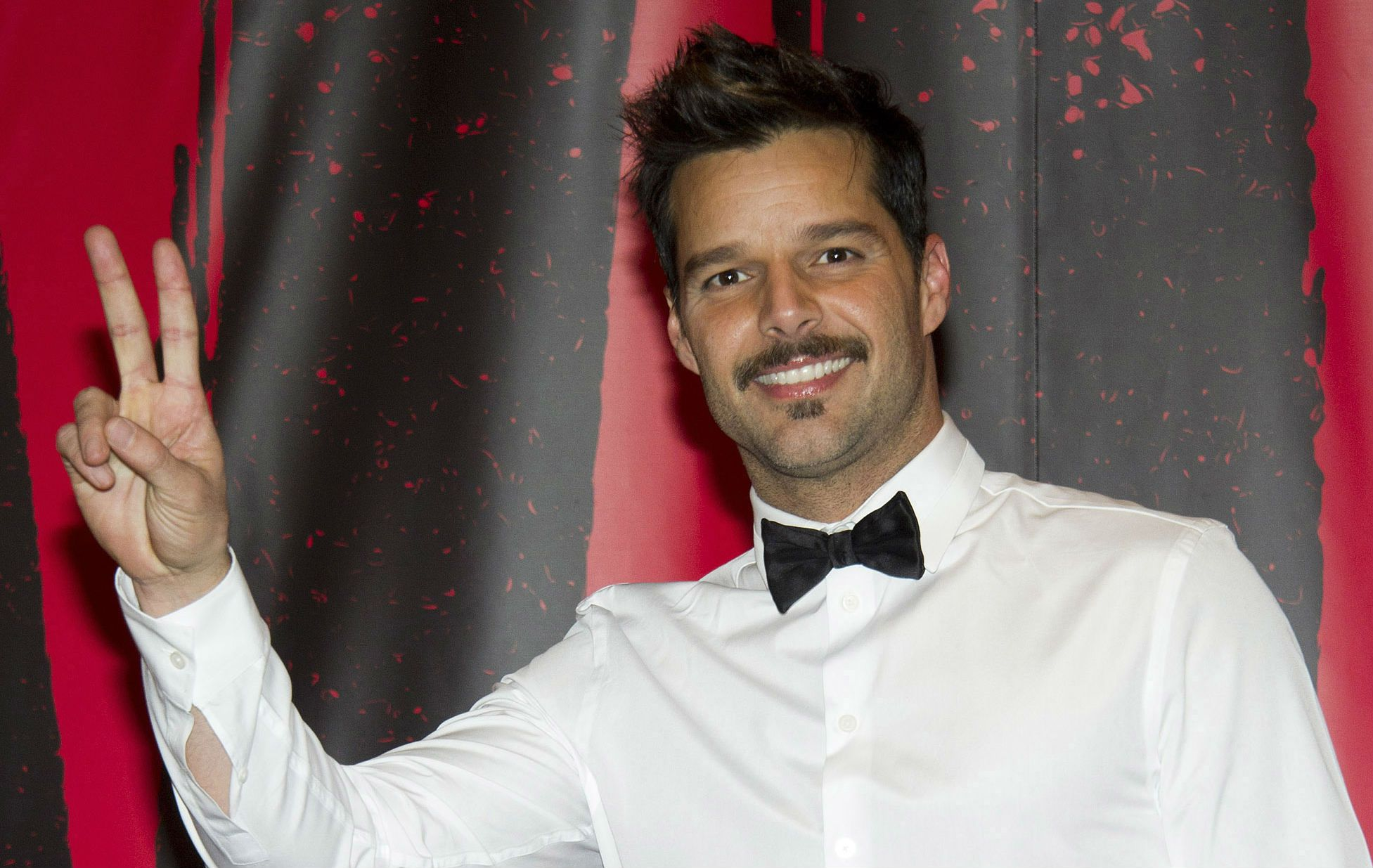 Ricky Martin admitió que adora publicar sus ideas en la red social Twitter.