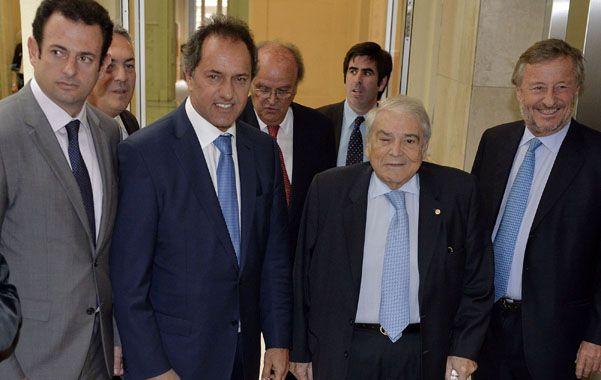 Daniel Scioli con la cúpula de la Unión Industrial Argentina (UIA).