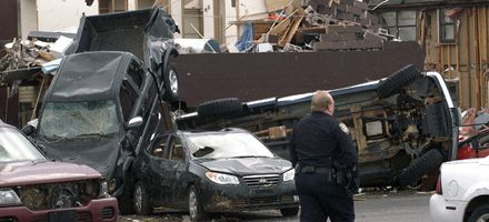 Tormentas con tornados causan al menos 54 muertos en el sur de EEUU