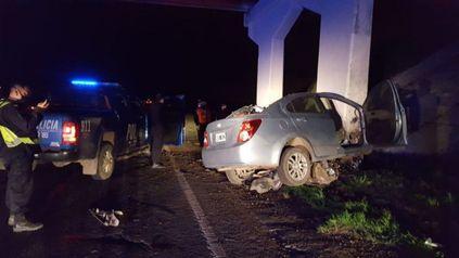El auto en que viajaba González, en el lugar del accidente.