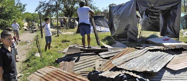 La reciente ocupación de terrenos fue un desafío para las autoridades locales y provinciales. (Foto: F. Guillén)