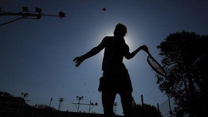 Saque y volea. En las nuevas camadas que llegaron al deporte con raqueta se destacan las mujeres.