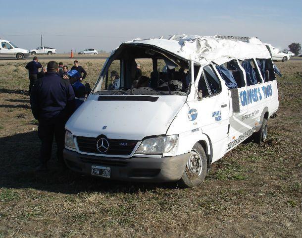 El accidente fue el 14 de agosto de 2007. La unidad dio varios tumbos y terminó en el cantero central de la doble traza.