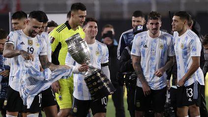 ¡¡¡Traeme la copa, Messi..!!!, una frase que se repitió una y otra vez. El capitán y sus compañeros cumplieron-