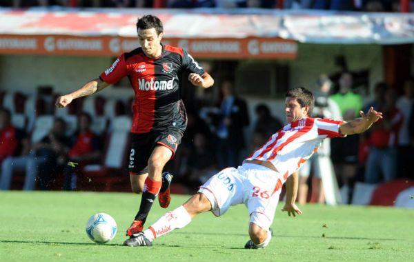 Scocco volvió al marcar con un golazo que significó el empate para Newells