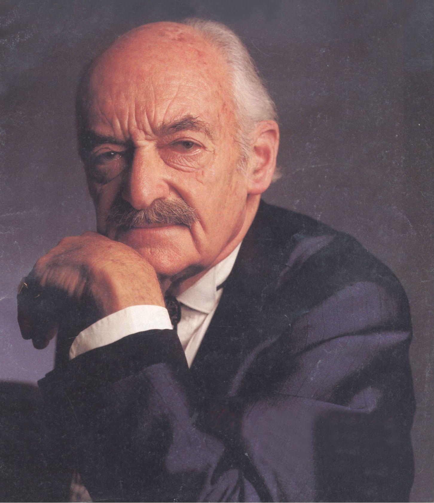 El ilusionista René Lavand tenía 86 años y larga carrera que se inició en el teatro de revistas en Buenos Aires.