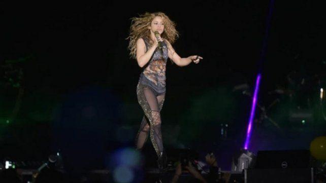 Sensualidad y carisma. Shakira se mostró muy comunicativa con su público