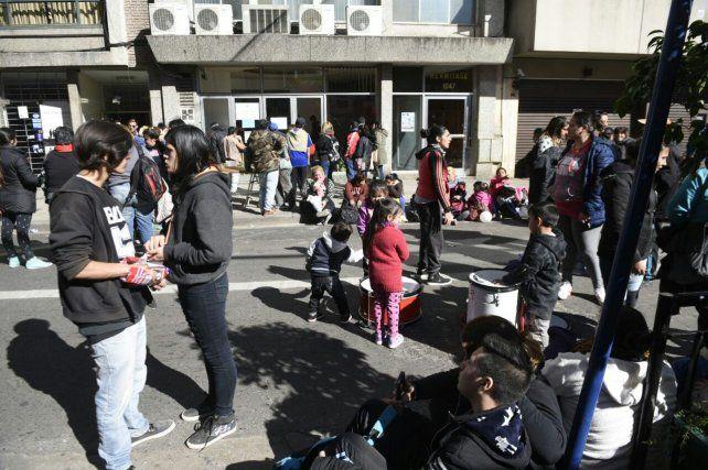 Un piquete frente al Ministerio de Desarrollo Social causa caos de tránsito en el centro