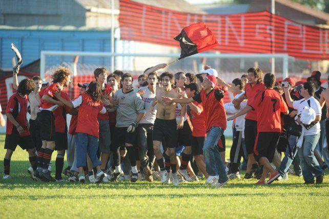 Ascenso del 2009: los rojinegros lograron llegar a Primera A después de una brillante temporada.