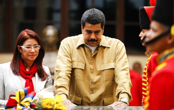 Homenaje. Maduro y su esposa estuvieron ayer en el mausoleo.