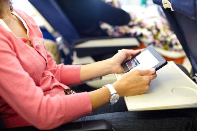 Estados Unidos prohíbe el uso de notebooks y tablets en vuelos desde 10 aeropuertos
