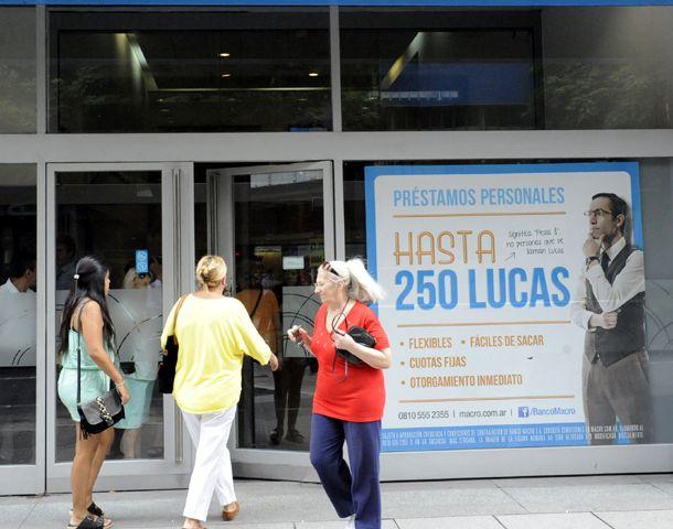 Las entidades de la city rosarina hoy abrieron al mediodía. (Foto: S. Suárez Meccia)