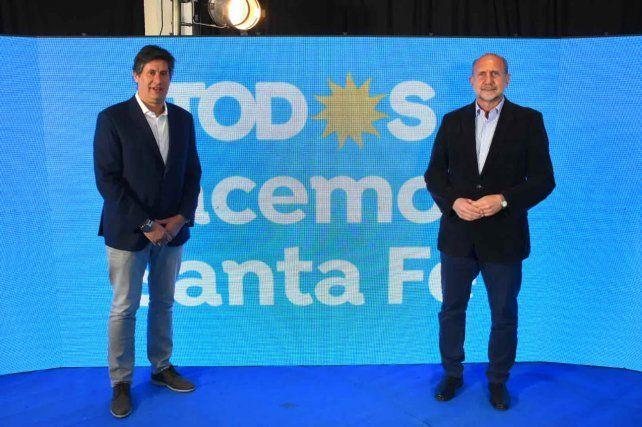 FRENTE DE TODOS: El intendente de Funes junto al gobernador provincial Omar Perotti.