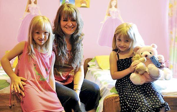 En familia. La historia de Gina (izquierda) alcanzó enorme notoriedad. (foto: Héctor Rio)