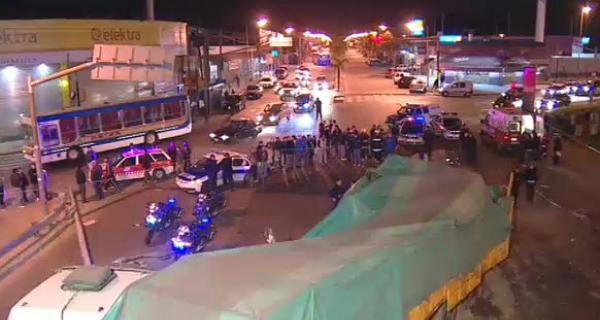 Dos muertos y cuatro heridos tras caer un camión desde un puente