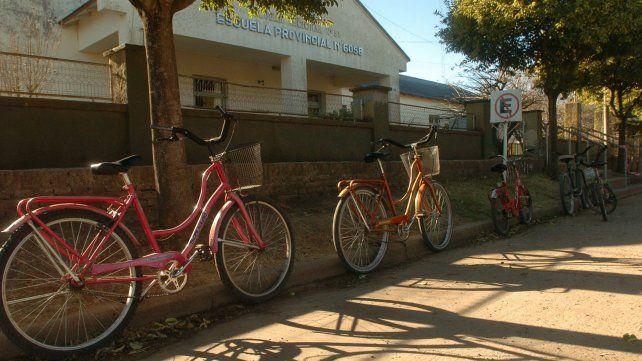 Las bicicletas de los chicos de pueblo
