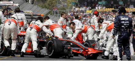 F1-Hamilton logra la pole position en el Gran Premio de Australia