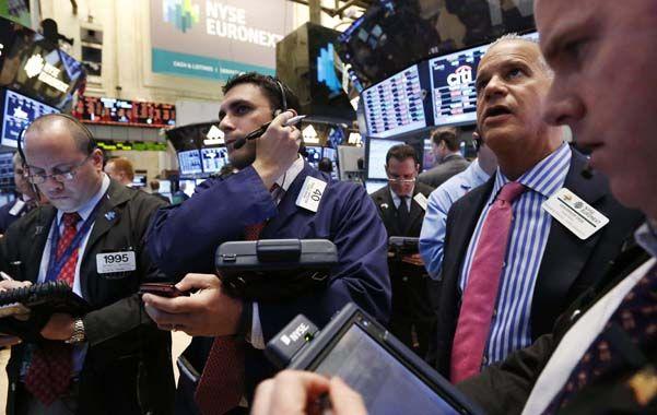 Actividad en la City. Durante la jornada de ayer en Wall Street se registró una fuerte ola vendedora.