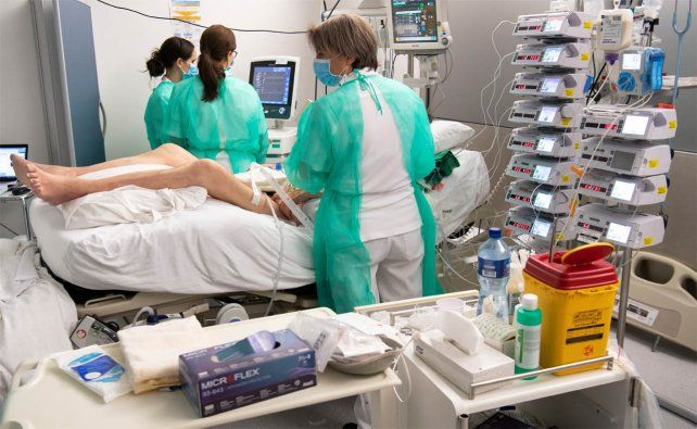 Informan 41 nuevos fallecimientos y son 8.498 los muertos por coronavirus en Argentina